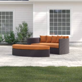 Sol 72 Outdoor Daybed Brentwood Patio avec coussins et commentaires.